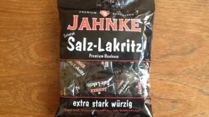Eine 125 Gramm Tüte Salmiak Salz-Lakritz von Jahnke Süßwaren