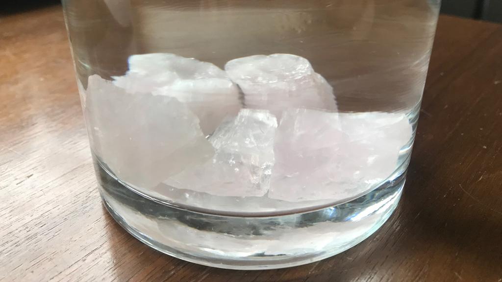 Edelsteinwasser selber machen